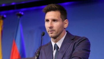 Lionel Messi on Sunday refuted reports that he asked for a 30 per cent pay raise in his contract amount and said that he had in fact offered to halve his wages in order to stay with the Spanish club Barcelona. (Leo Messi/Facebook)