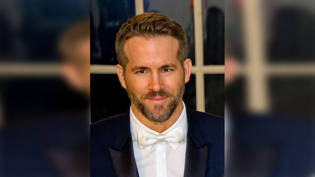 Ryan Reynolds Shares Emotional Story About Final Chat With Alex Trebek