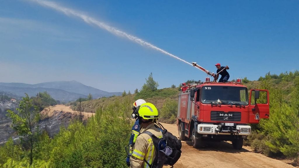 Israel Dispatches Firefighters To Battle Blazes In Greece