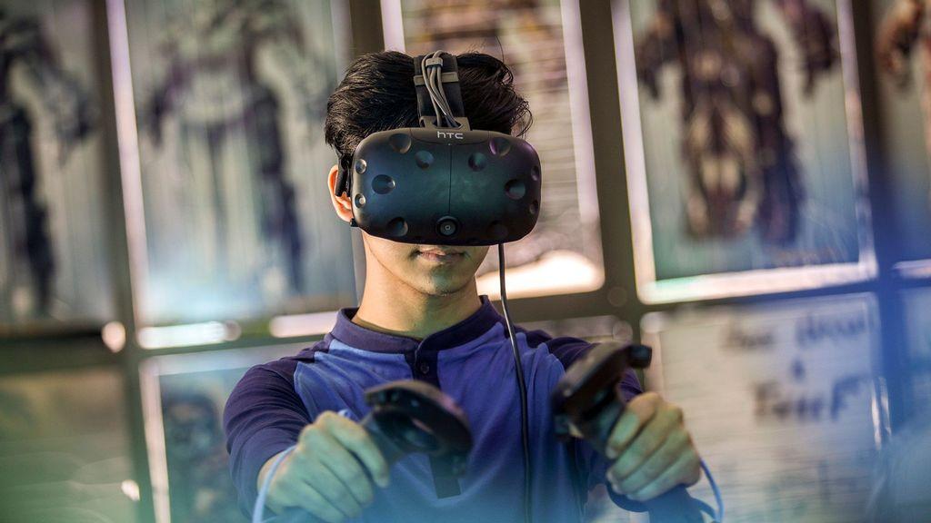 Steam VR Beta To Allow Users To Arrange Desktop Windows Inside Virtual World