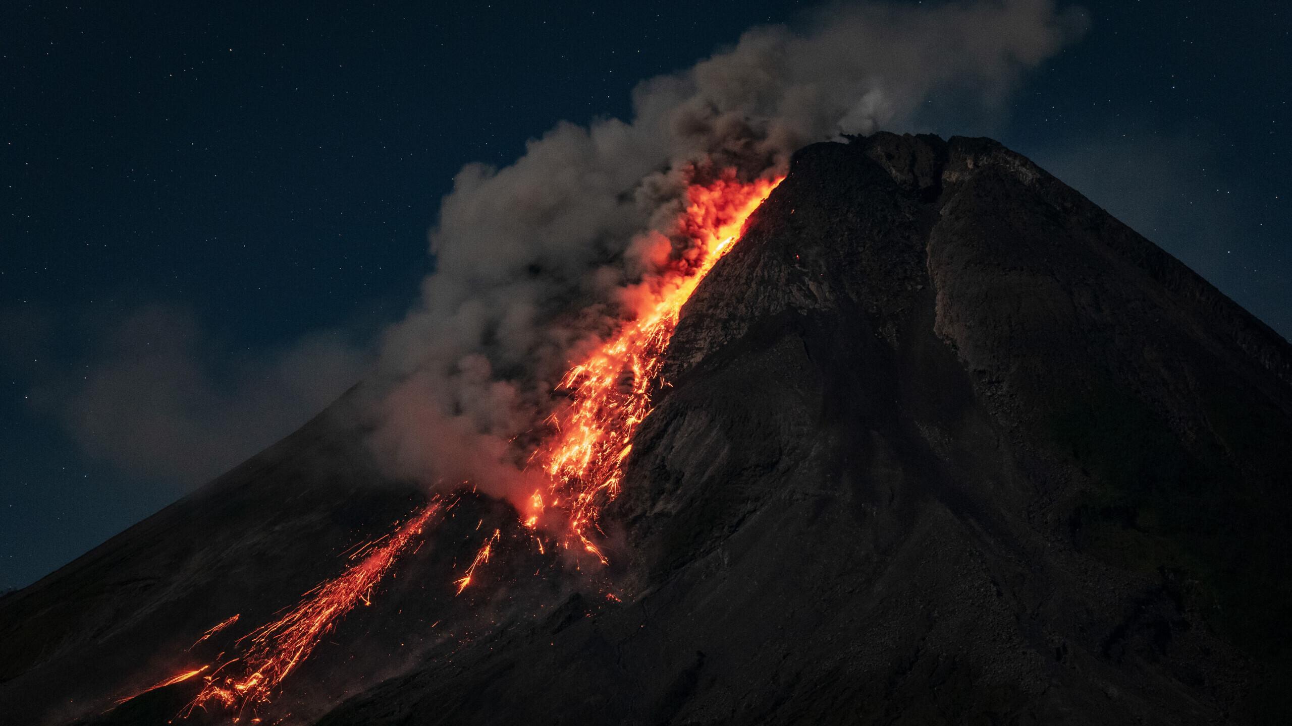 Smarter News Quiz: Spaceships, Prayers and Volcanoes
