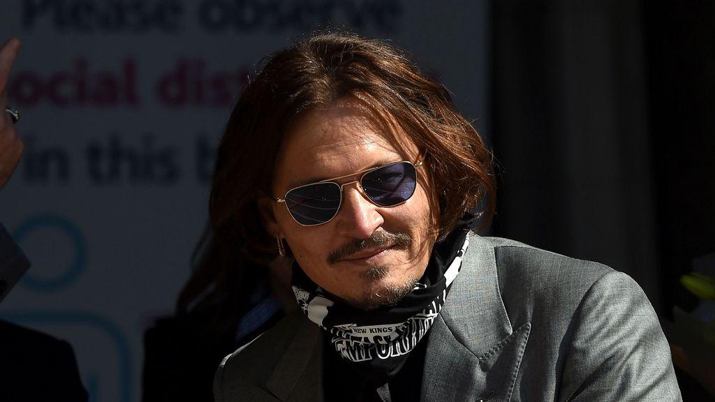 Johnny Depp's San Sebastian Film Festival Award Gets Denounced By Female Spanish Filmmakers