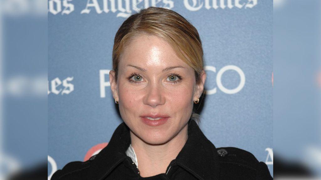 Christina Applegate Reveals Multiple Sclerosis Diagnosis