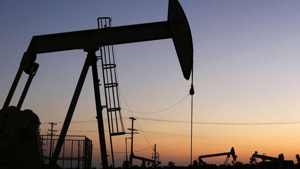 <p>The Energy Information Administration reported that total commercial crude oil inventories declined approximately 400,000 barrels from the previous week, and remain about 6 percent below the five-year range for this time of year. (Photo by David McNew/Getty Images)</p>