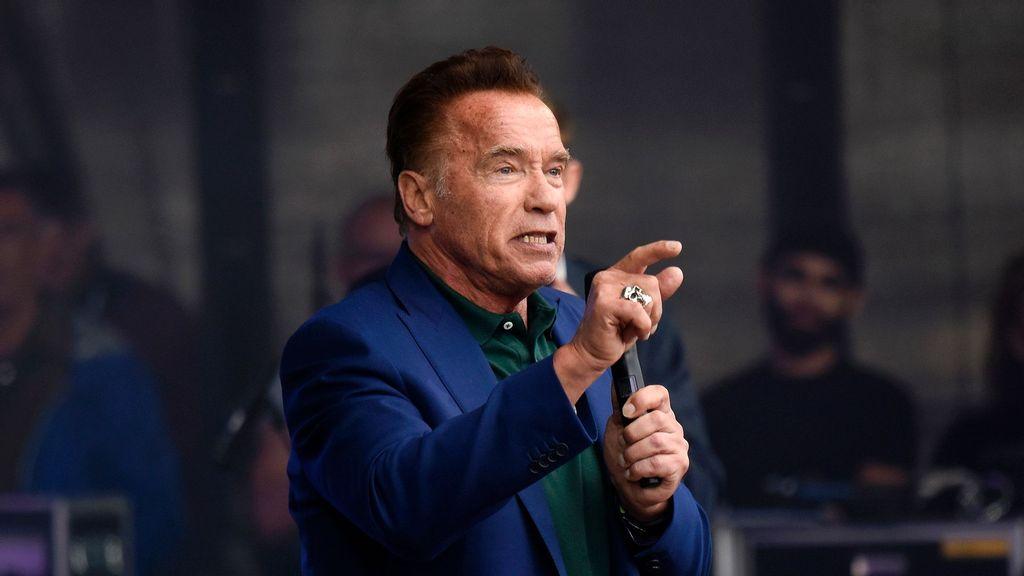 Screw Your Freedom: Arnold Schwarzenegger Tears Anti-Maskers Down