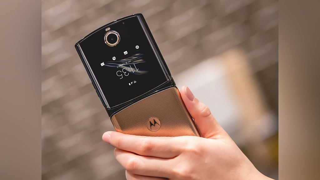 Motorola Bringing Android 11 To Its First-Gen Foldable Phone Razr