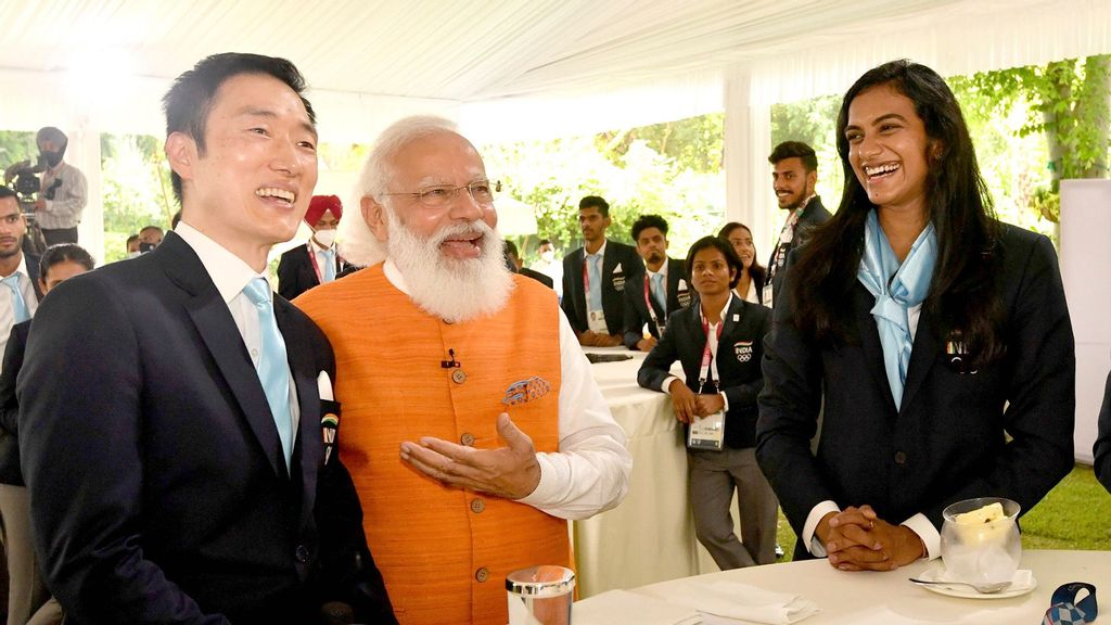 Indian Prime Minister Tells Ace Shuttler's Korean Coach To Visit Indian City