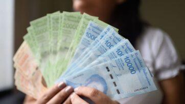 Venezuela ha quitado ceros a sus billetes en respuesta a la hiperinflación. Los billetes se ven en 2019, con varios ceros. (Carolina Cabral/Getty Images)