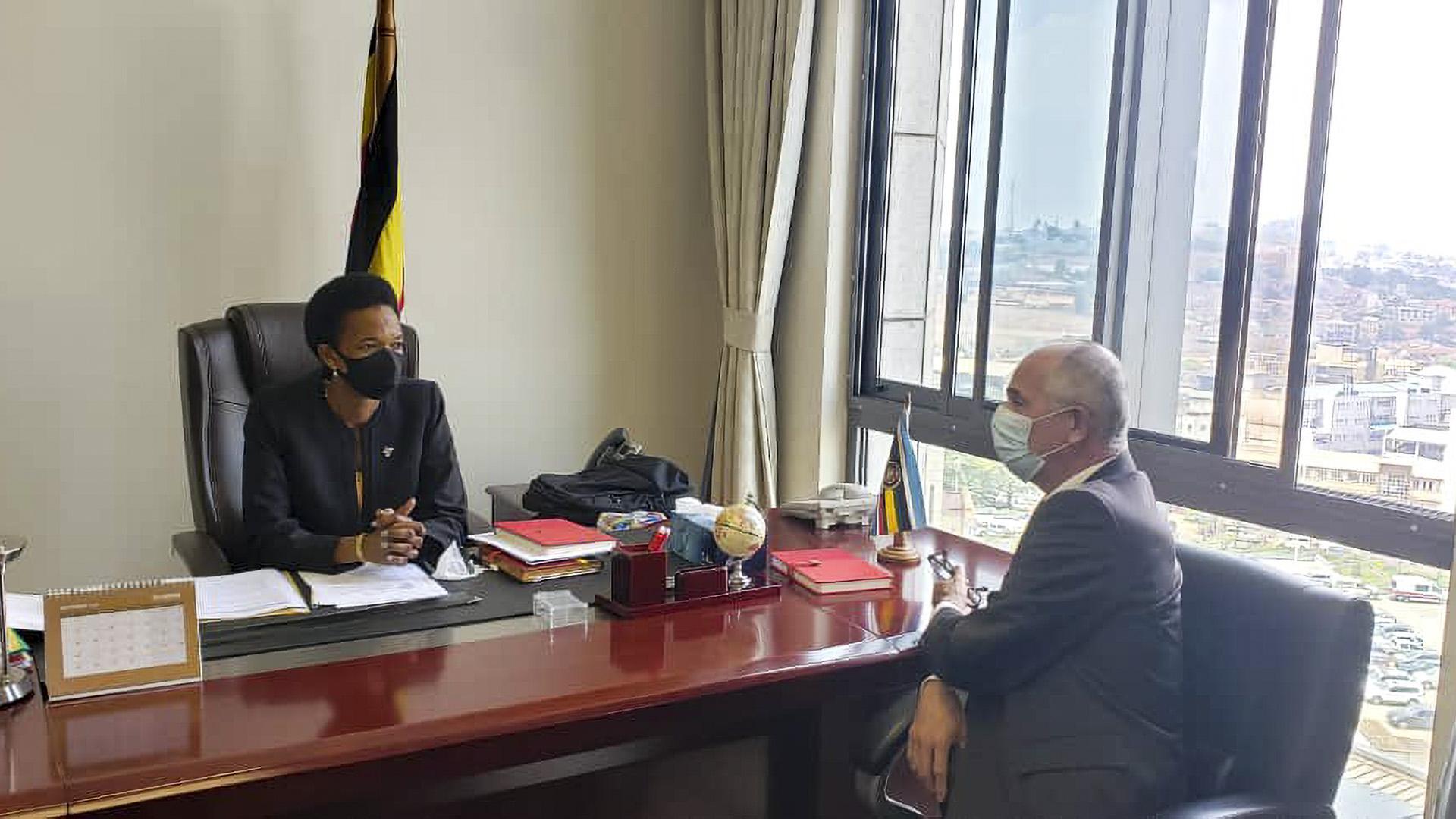 Uganda To Host 2,000 Afghan Refugees In 5-Star Hotels