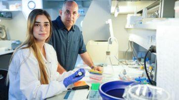 strongReem Dowery (izquierda) exploró el proceso de envejecimiento del sistema inmunológico y las formas de rejuvenecerlo, bajo la guía del profesor de inmunología Doron Melamed. (Cortesía del Instituto de Tecnología Technion-Israel)/strong