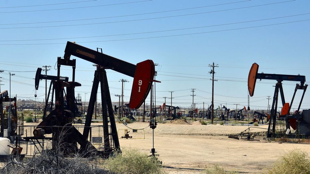 <p>The California division of the Bureau of Land Management said it manages nearly 600 producing oil and gas leases covering more than 200,000 acres and 7,900 usable wells, like the one pictured above. On Aug. 16, the Department of the Interior said it would resume the bureau's leasing program while it appealed a suit filed by more than a dozen state attorney generals over the government's recent pause. (Bureau of Land Management)</p>