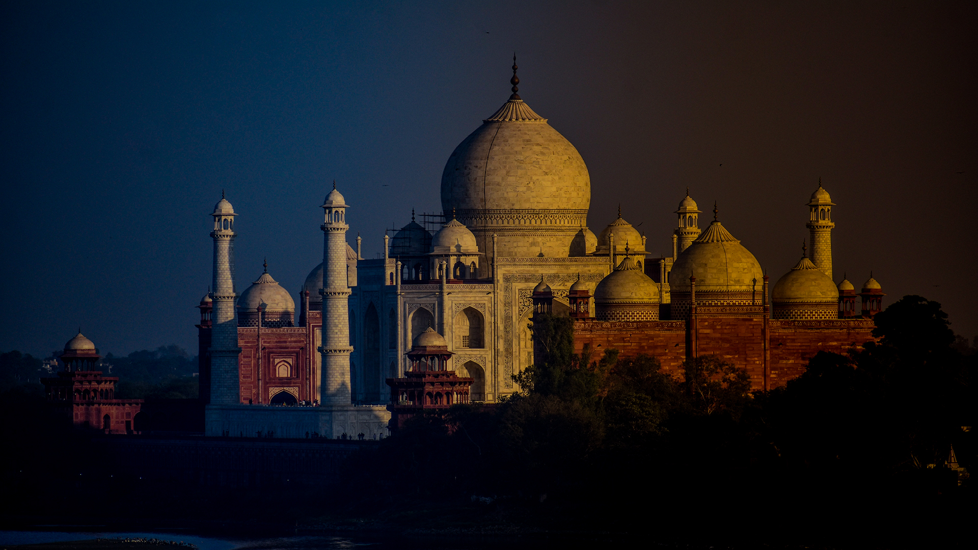 Taj Mahal Opened For Night-Time Viewing After 522 Days