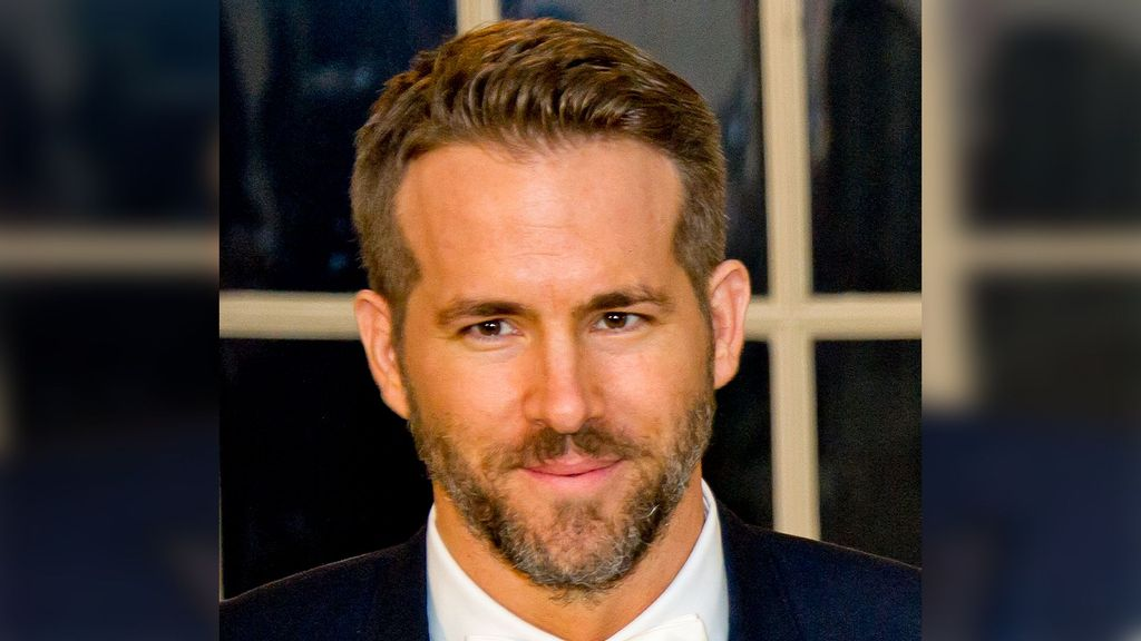 """Ryan Reynolds Shows Support For LeVar Burton's Campaign To Host """"Jeopardy!"""""""
