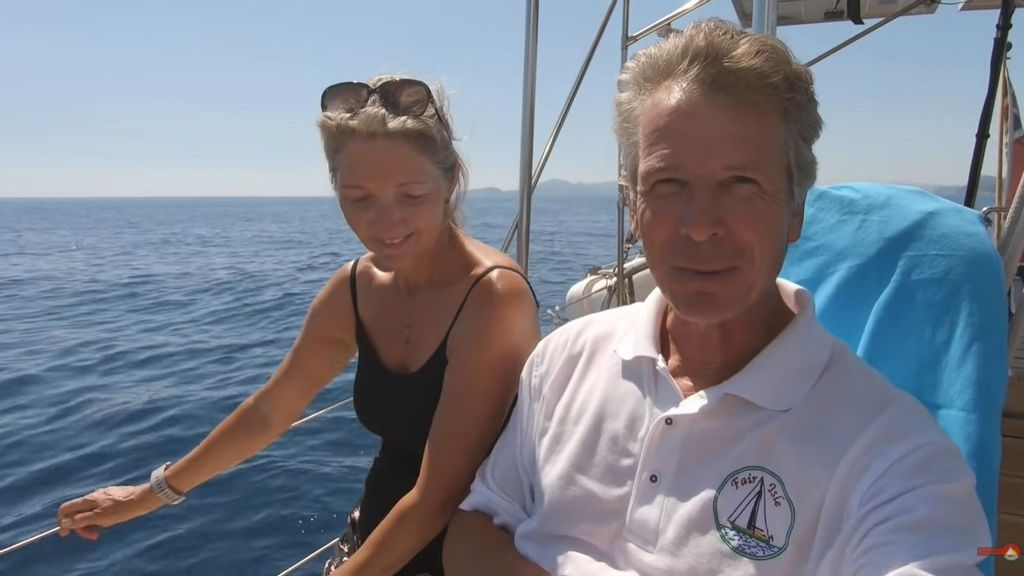<p>British couple Judy Aslett and Steve Holloway sailed to Croatia and secretly recorded maritime officials insisting they pay a fine, without any legal basis. (Sailing Fair Isle/Zenger).</p>