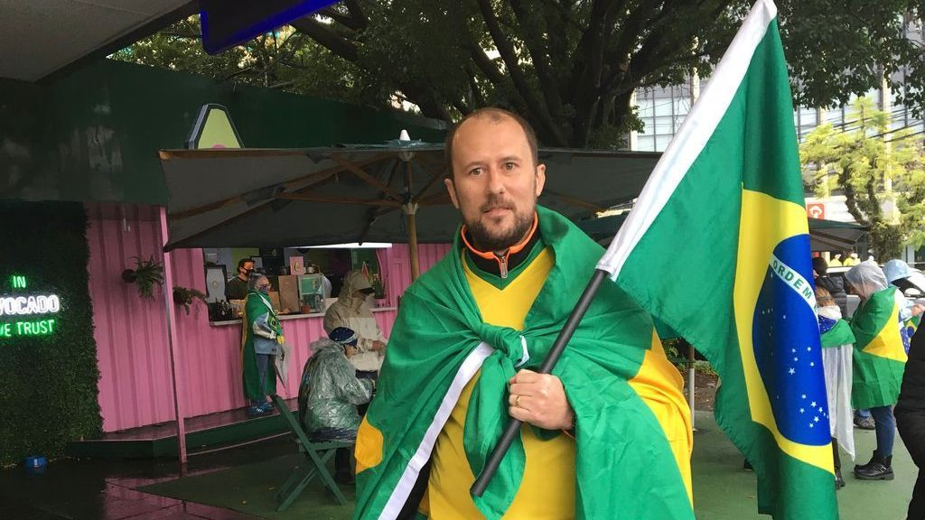 <p>William Schmidt, 35, showed his support for Bolsonaro in Porto Alegre, on Sept. 7. (Luciano Nagel/Zenger)</p>