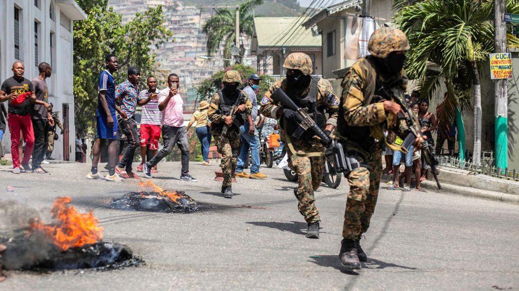 Haitianos preocupados por falta de ayuda de Estados Unidos para su país en crisis
