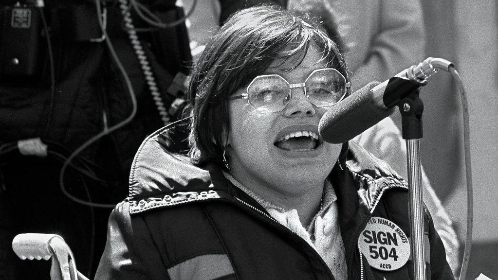 Activista veterana por derechos de discapacitados reflexiona sobre los cambios logrados con tanto esfuerzo