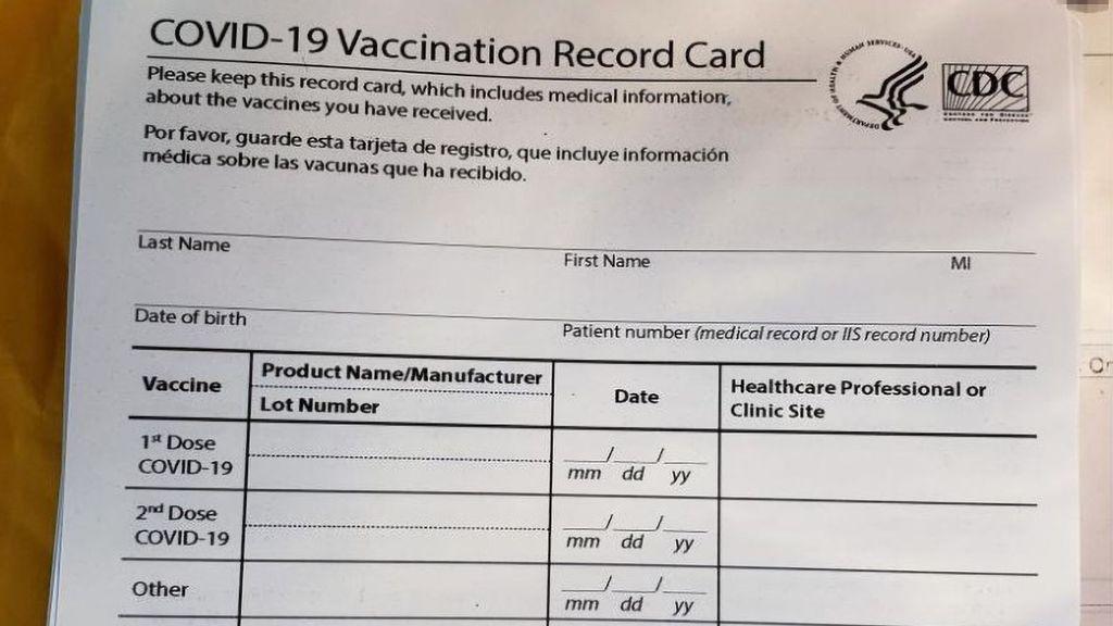 Certificados de vacunación falsos incautados en la aduana de Estados Unidos