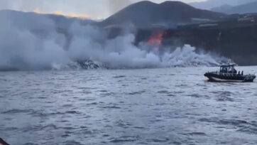 Lava from the La Palma volcano reaches the sea on SEPT. 29. (@GuardiaCivil.es/Zenger)