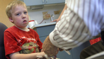 """Childrens Hospital Offers """"Alternatives"""" to Healing"""