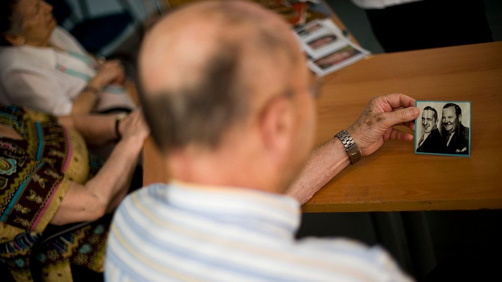 Cancer Drug Reverses Alzheimer's Symptoms In Mice
