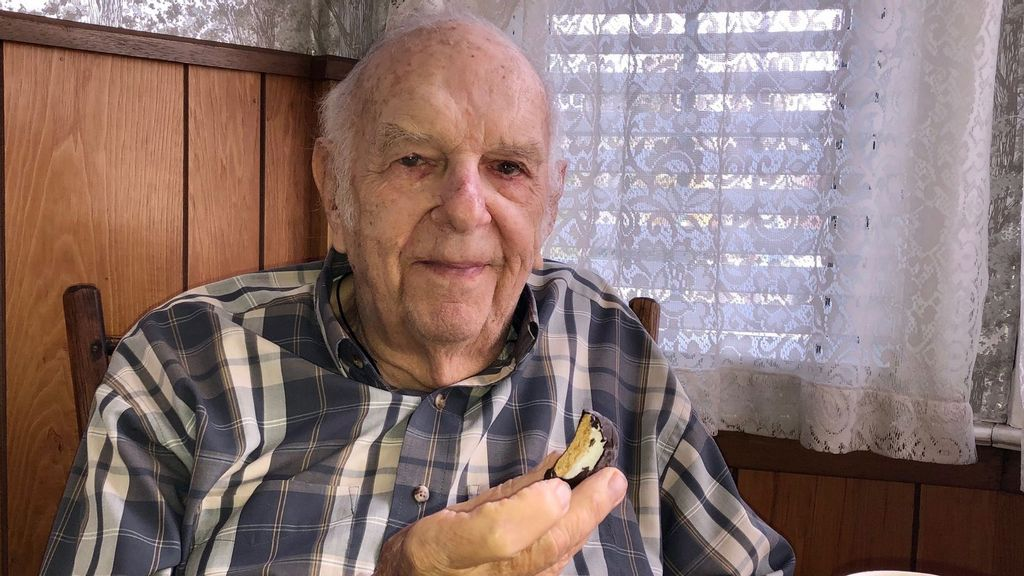Real Trooper: WWII Vet's Touching Plea To Find Kids He Photographed In 1945