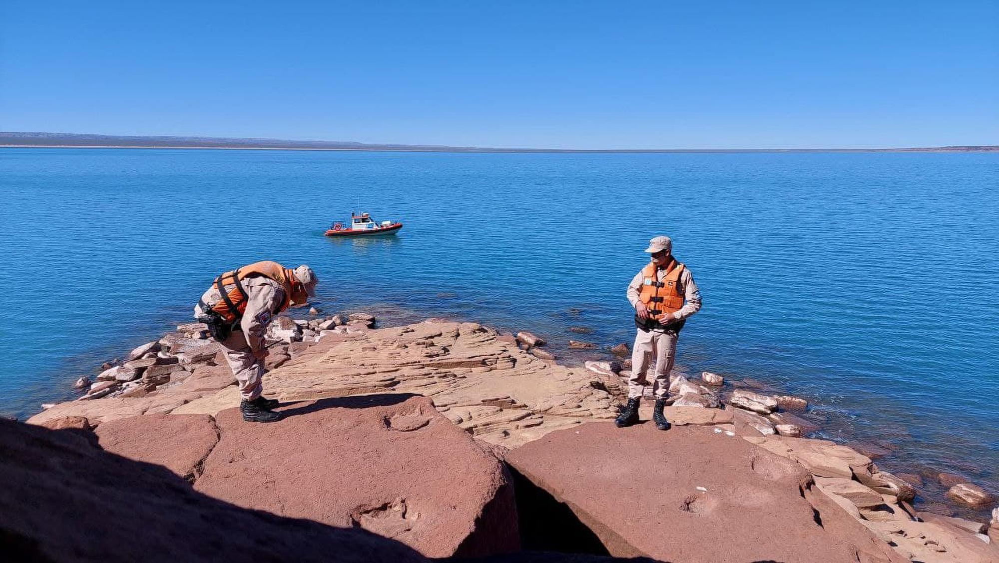 See-Rex: Giant Dinosaur Footprints Discovered At Patagonia Reservoir