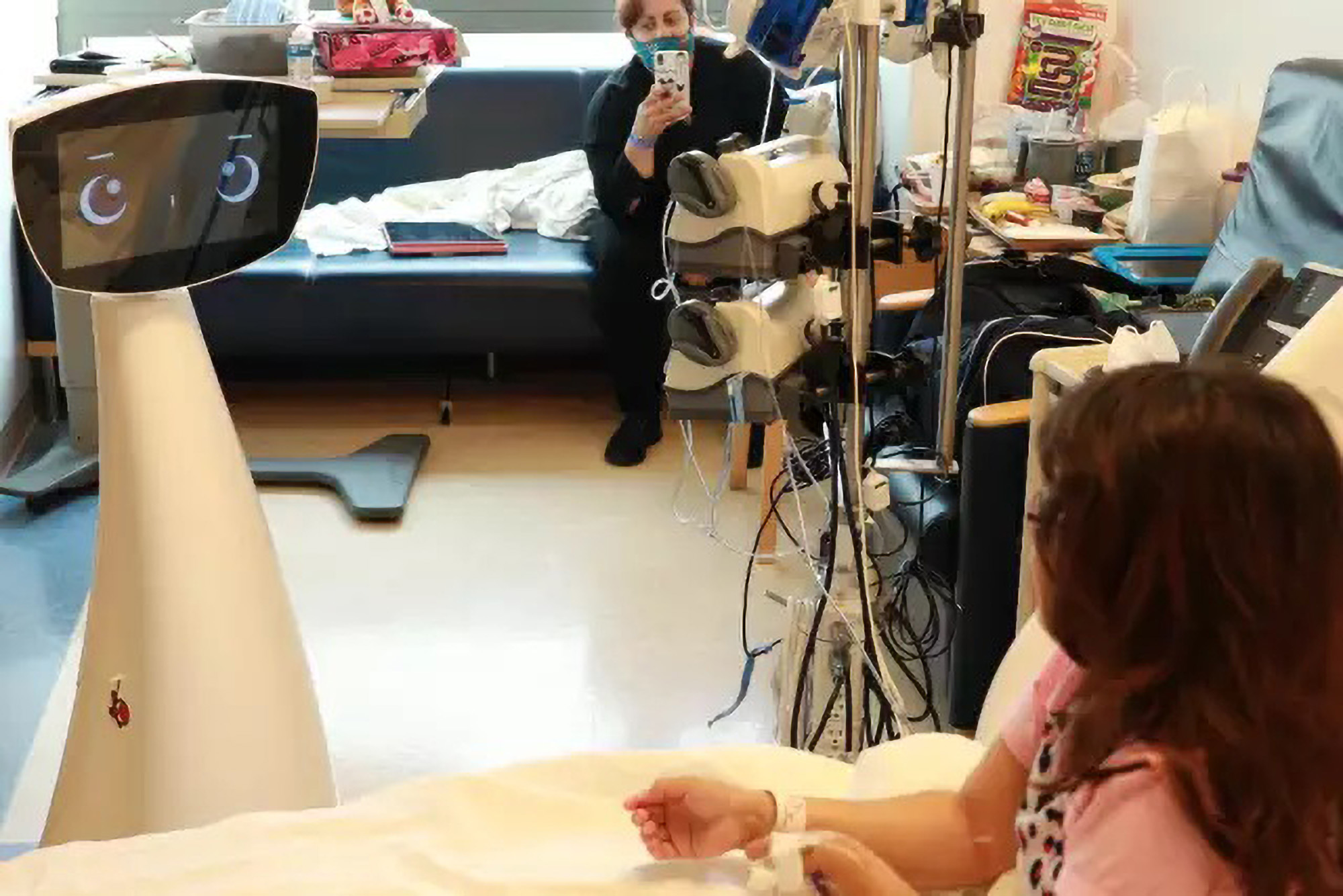 VIDEO: Robin The Robot Visits Hospitalized Kids To Make Stay More Fun