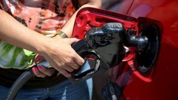 strongActualmente, los precios de la gasolina en Estados Unidos han alcanzado máximos en un periodo de siete años. (Joe Raedle/Getty Images)/strong