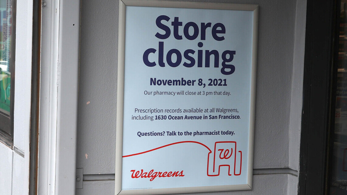 Smarter News Quiz: Store Closings, World Records and a Long-Awaited Album