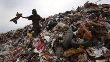 En México, la separación de la basura es un trabajo para algunas personas que viven de separar reciclables y materiales y de 'rescatar' lo que pueden. (John Moore/Getty Images/Stock)