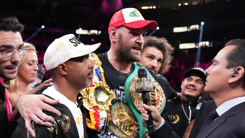 Trainer: Tyson Fury 'Possibly' Knocks Out Holyfield, Lewis, Usyk, Joshua In Mythical Matchups