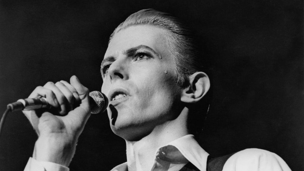 All The Wrong News: How Bowie Flopped As A Reporter