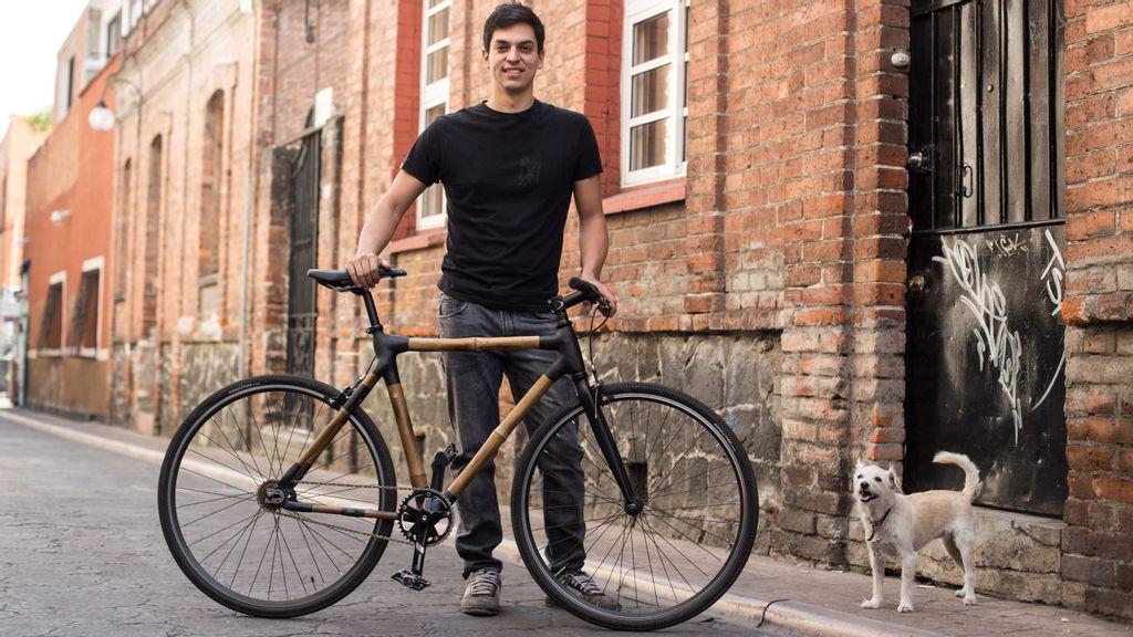 Mexicano crea bicicletas de bambú como apuesta a la sostenibilidad ambiental
